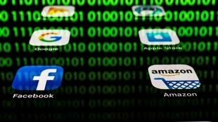 Empresas como Facebook, Apple, Google y Amazon serán gravadas por el nuevo impuesto francés adoptado el jueves 11 de julio.