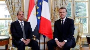إيمانويل ماكرون وعبد الفتاح السيسي في 24 أكتوبر/تشرين الأول 2017 في العاصمة باريس
