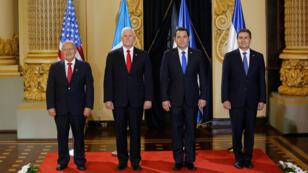 Mike Pence durante una reunión en el Palacio Nacional de Cultura en la ciudad de Guatemala, con líderes centroamericanos. Guatemala 28 de junio de 2018.