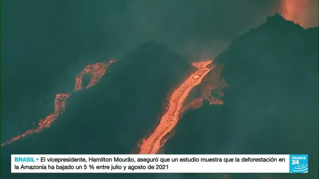 2021-10-09 19:08 Aumentan los ríos de lava tras el derrumbe de una de las caras del volcán Cumbre Vieja