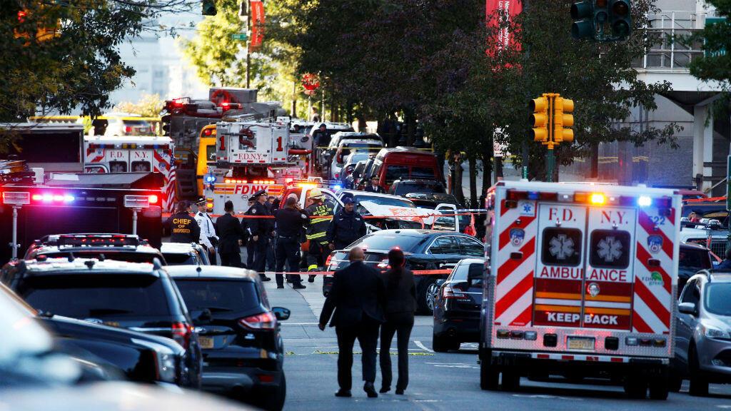 La escena del crimen cerca de un carril bici en el bajo Manhattan en Nueva York, Estados Unidos.