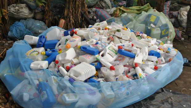 Plastic bottles held in a mosquito net in Abobo-Baoulé, Abidjan.