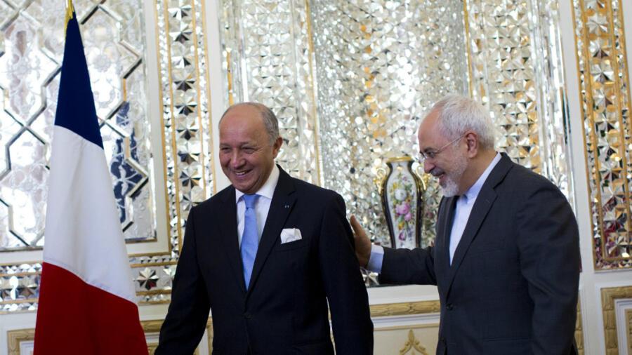 Hollande rencontre Rohani: une poignée de main historique