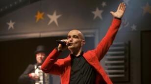 """Le chanteur français Aldebert en concert au """"Printemps de Bourges"""" le 25 avril 2015"""