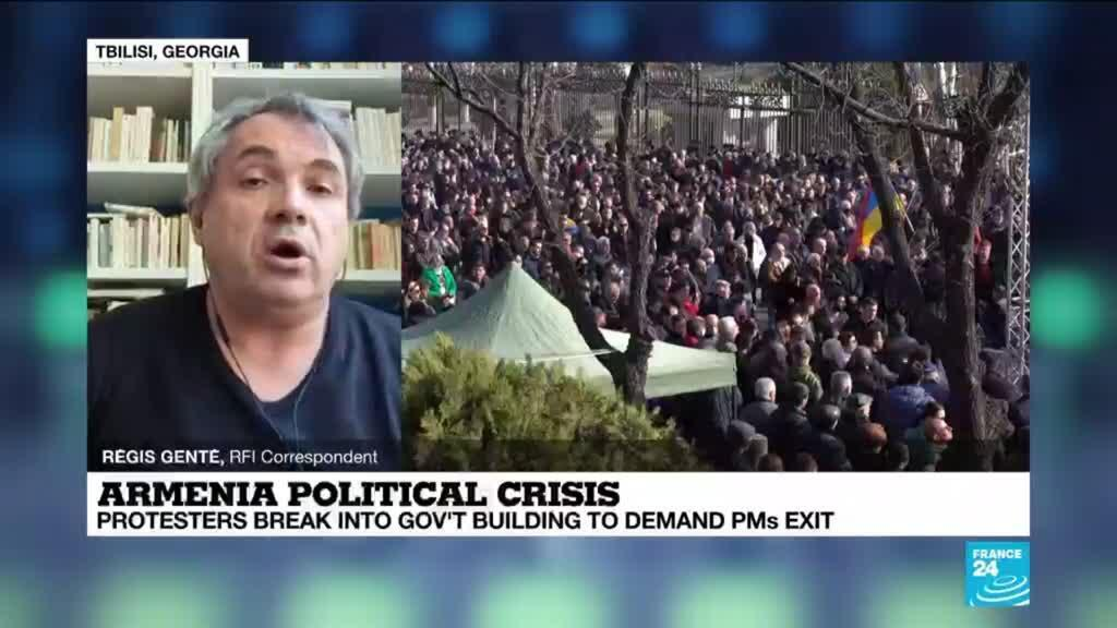 2021-03-01 11:09 Armenian protesters break into government building to demand PM's exit