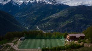 Vue aérienne de la GsponArena, l'un stades les plus hauts d'Europe, situé à 1.899 m d'altitude, le 14 mai 2020