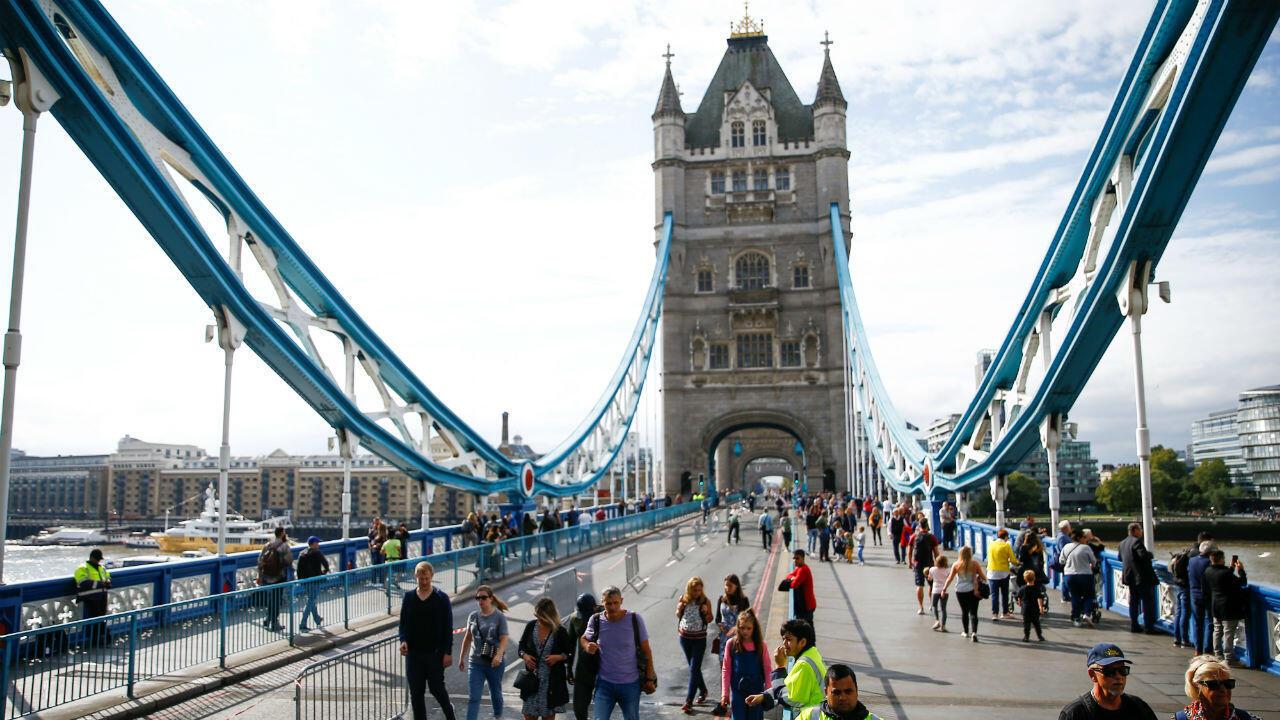 Varios puentes, como el London Bridge y el Tower Bridge, no tendrán acceso a usar automóviles la mayor parte del día, para ayudar a reducir la contaminación del aire en la capital británica.