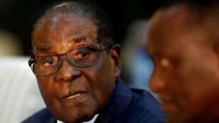 El presidente Robert Mugabe durante un evento en Sudáfrica. 3/10/2017