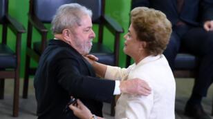 Luiz Inacio Lula da Silva et Dilma Roussef lors de l'investiture de l'ancien président,  jeudi 17 mars 2016.