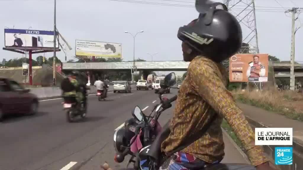 2021-06-22 21:52 Embouteillage à Conakry en Guinée ; les moto-taxis interdits dans le centre