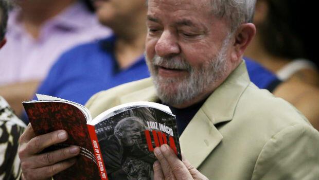 El expresidente Lula durante el lanzamiento de su libro, que se llevó a cabo en Sao Paulo, Brasil, el 16 de marzo de 2018.