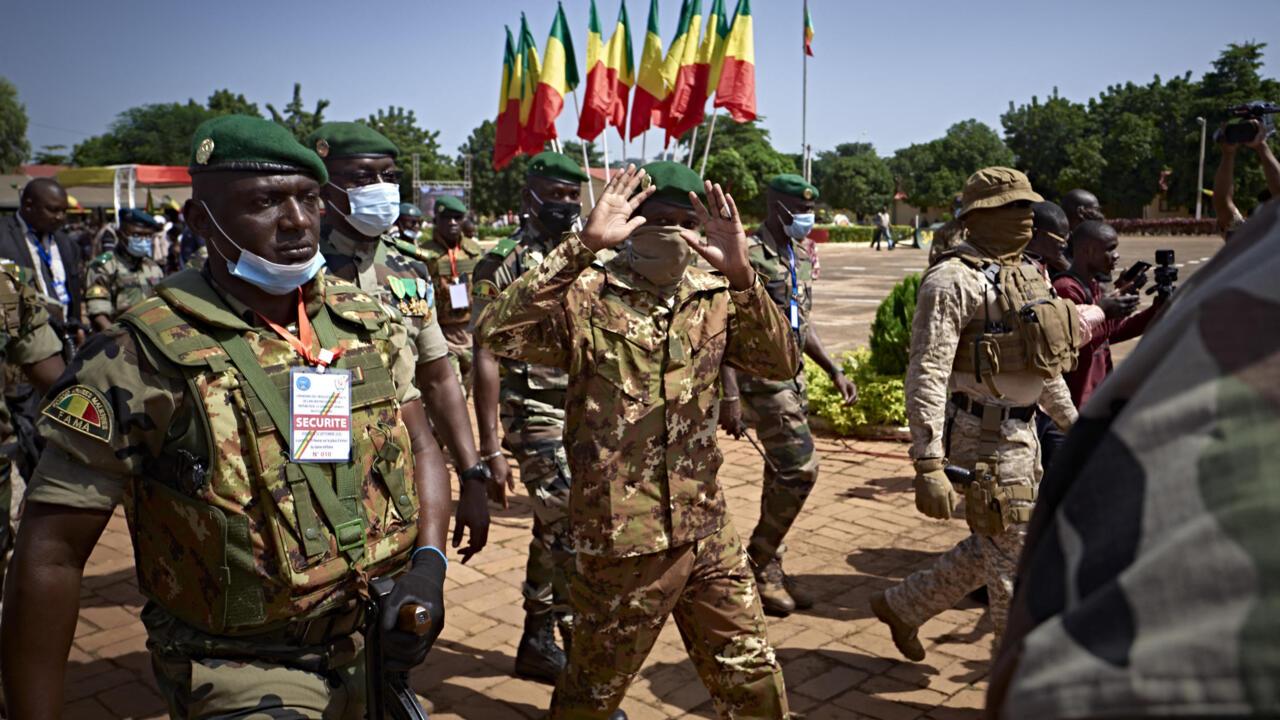 الاتحاد الأفريقي يعلق عضوية مالي ردا على الانقلاب العسكري ويهدد بفرض عقوبات