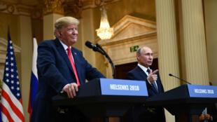 Donald Trump et Vladimir Poutine en conférence de presse, le 16 juillet 2018, à Helsinki.
