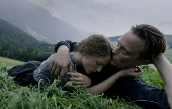 """L'amour est dans le pré dans """"Une vie cachée"""" de Terrence Malick."""