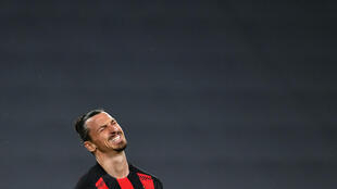 AC Milan's Swedish forward Zlatan Ibrahimovic needs six weeks treatment for a left knee sprain.