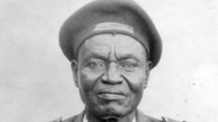 """جندي من تشاد في """"جيش أفريقا"""" خلال الحرب العالمية الثانية"""