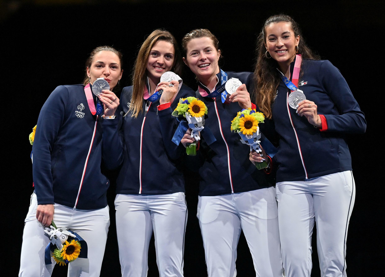 Les sabreuses françaises Cécilia Berder, Manon Brunet, Sara Balzer et Charlotte Lembach sont devenues vice-championnes olympiques samedi 31 juillet.