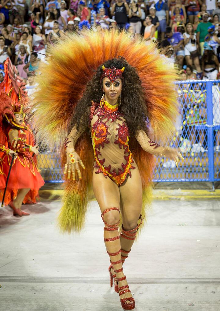 Desde la década pasada, la estética de las musas de las escuelas de samba ha cambiado notablemente. Escuela Unidos da Tijuca (Carnaval 2018).