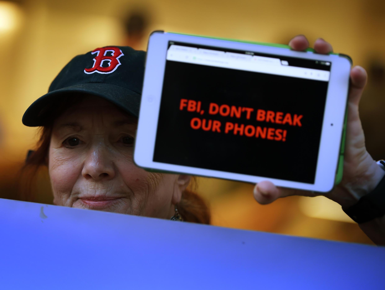 La bataille entre le FBI et Apple, en février dernier, avait suscité des manifestations aux États-Unis.