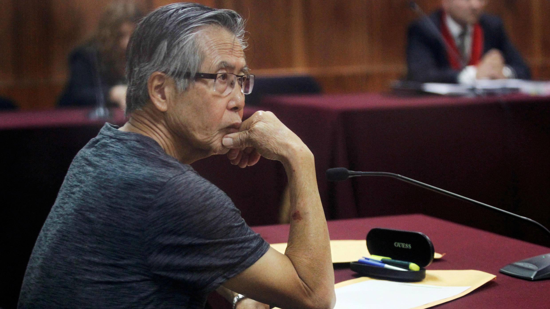 El expresidente Alberto Fujimori durante una audiencia en Lima, el 8 de enero de 2015 (Imagen de archivo).