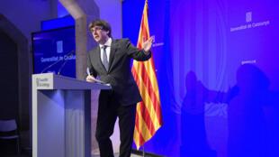 """Carles Puigdemont a déclaré qu'une réaction d'opposition de la part du gouvernement central constituerait """"une erreur""""."""