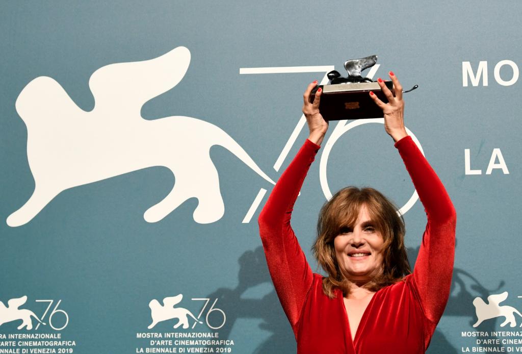 La actriz Emmanuelle Seigner, esposa del director polaco Roman Polanski, recibió el Gran Premio del Jurado.