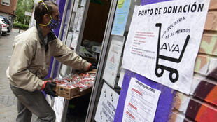 As the number of those struggling under Spain's virus lockdown has exploded, so has the number of people volunteering to help out
