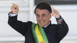 Le nouveau président du Brésil, Jair Bolsonaro, après avoir reçu son écharpe officiel, à Brasilia, le 1er janvier 2019.
