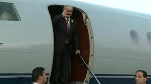 Le maréchal Khalifa Haftar n'était pas apparu en public depuis un certain temps et certains médias avaient même annoncé sa mort.
