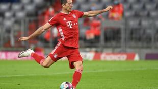 L'attaquant polonais du Bayern, Robert Lewandowski, lors du match de Bundesliga face à Schalke, à Munich, le 18 septembre 2020