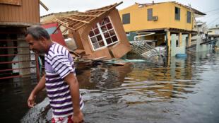 Le 21 septembre 2017, après le passage de l'ouragan Maria, à Catano, sur l'île de Porto Rico.