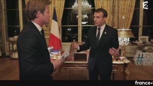 Emmanuel Macron a livré la deuxième grande interview télévisée de son mandat dimanche 17 décembre.