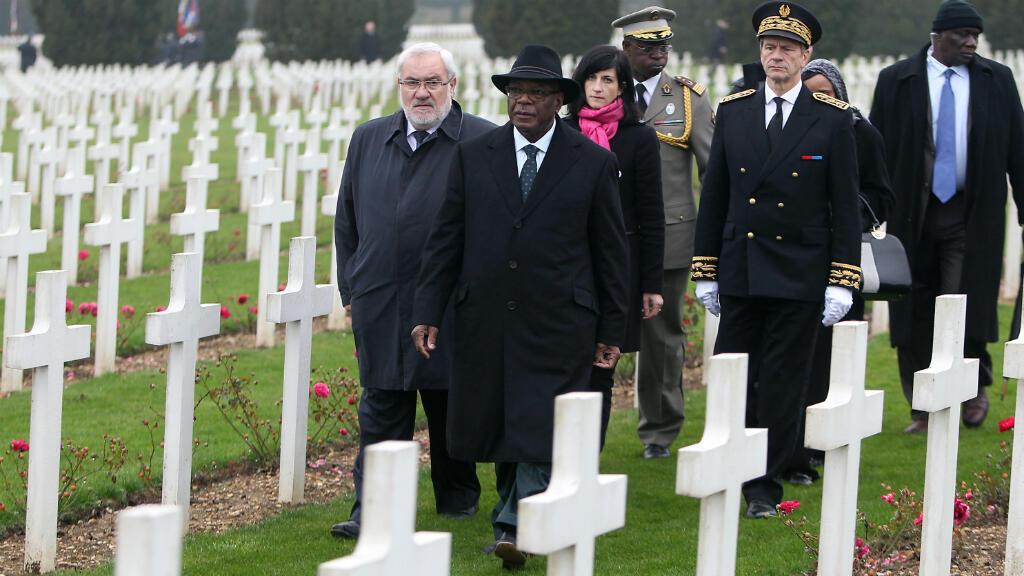 Le président malien Ibrahim Boubacar Keïta et le secrétaire d'État aux anciens combattants Jean-Marc Todeschini, à l'Ossuaire de Douaumont (Meuse), le 22 octobre 2015.