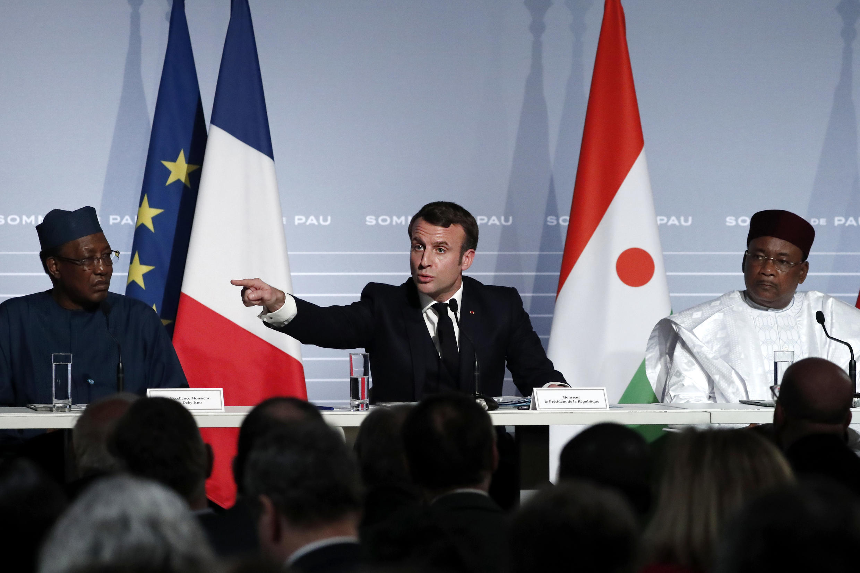 Le président français Emmanuel Macron est à Nouakchott, en Mauritanie, pour faire un point sur les combats du G5 Sahel