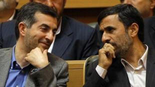 Le président Ahmadinejad et son protégé, Esfandiar Rahim Mashaïe