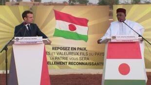 رئيسا النيجر وفرنسا في نيامي، في 22 ديسمبر/كانون الأول 2019.