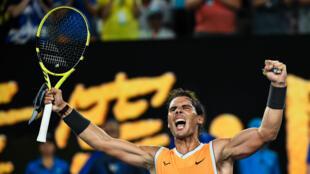 Rafael Nadal a battu le Grec Stefanos Tsitsipas en trois sets le 24 janvier à Melbourne.