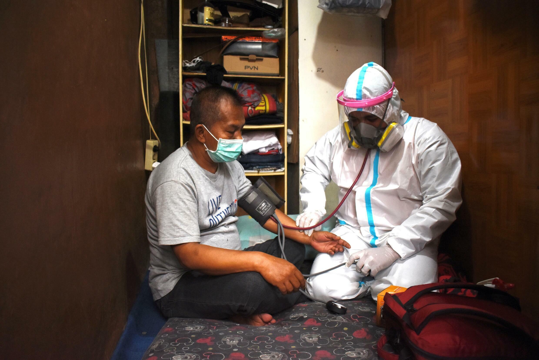 Les établissements de santé ont été étendus au maximum alors que le nombre de morts en Indonésie continue d'augmenter