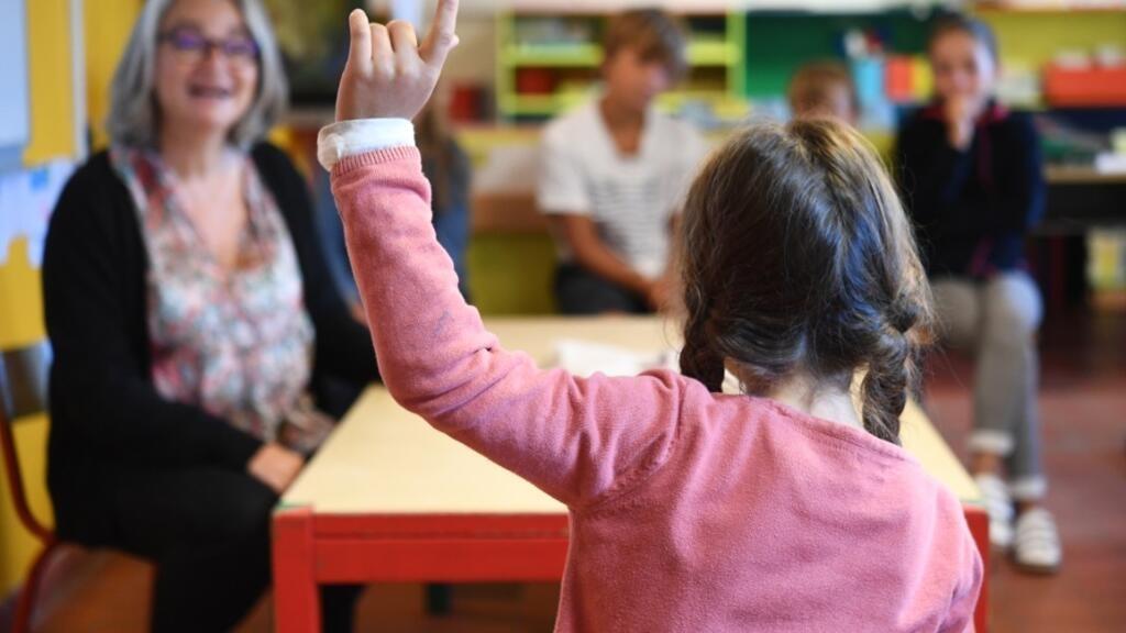 Une classe de primaire à l'école publique de l'Île-d'Arz, dans le golfe du Morbihan, le 2 septembre 2019.