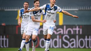 Atalanta's Mario Pasalic (R) celebrates his goal against Genoa.