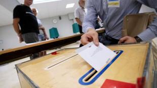 السويديون يصوتون في الانتخابات التشريعية. 9 أيلول/سبتمبر 2018.