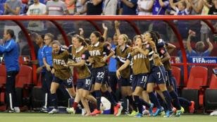 Les Bleues célèbrent leur victoire face à la Corée du Sud (3-0), dimanche 21 juin, à Montréal.