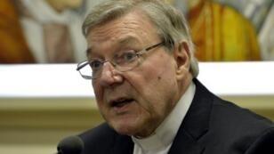 Le cardinal australien George Pell a été inculpé dans une enquête sur la maltraitance sexuelle d'enfants.
