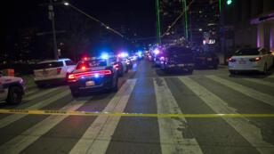 Des voitures de la police dans les rues de Dallas après la fusillade, le 7 juillet 2016.