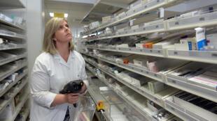 Une pharmacie au Centre hospitalier universitaire de Rennes