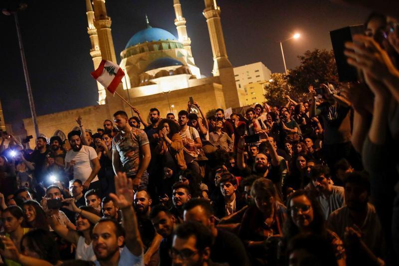 المظاهرات مستمرة في لبنان للأسبوع الرابع على التوالي. بيروت 8 نوفمبر/ تشرين الثاني