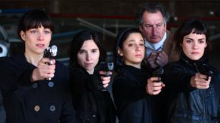Cuatro actrices interpretan todos los roles femeninos de 'La flor'