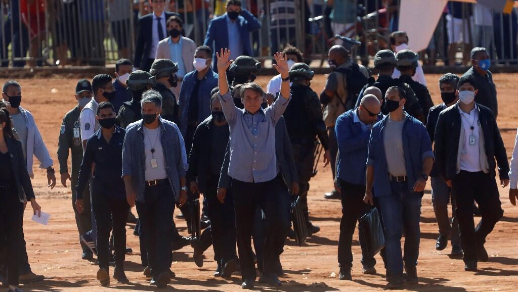 El presidente de Brasil, Jair Bolsonaro, durante la inauguración de un hospital de campaña, en medio de la emergencia sanitaria por la pandemia del Covid-19. En  Aguas Lindas de Goias, Brasil, el 5 de junio de 2020.