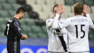 Le Real MAdrid a été accroché sur le terrain du Legia Varsovie (3-3).