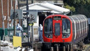 Un troisième suspect a été interpellé, mardi 19 septembre 2017, après l'attaque à la bombe artisanale dans le métro londonien.